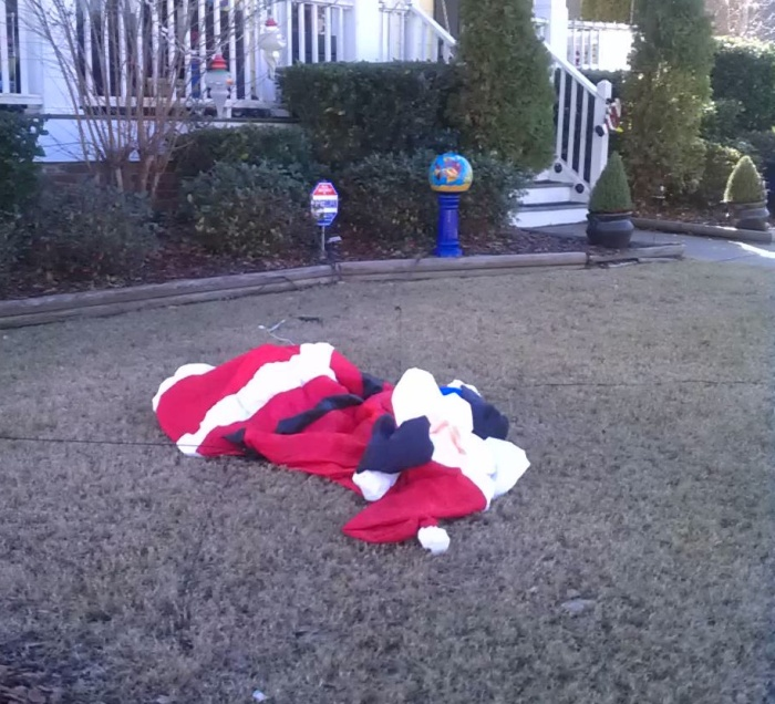 Carnage in Kringle Town.